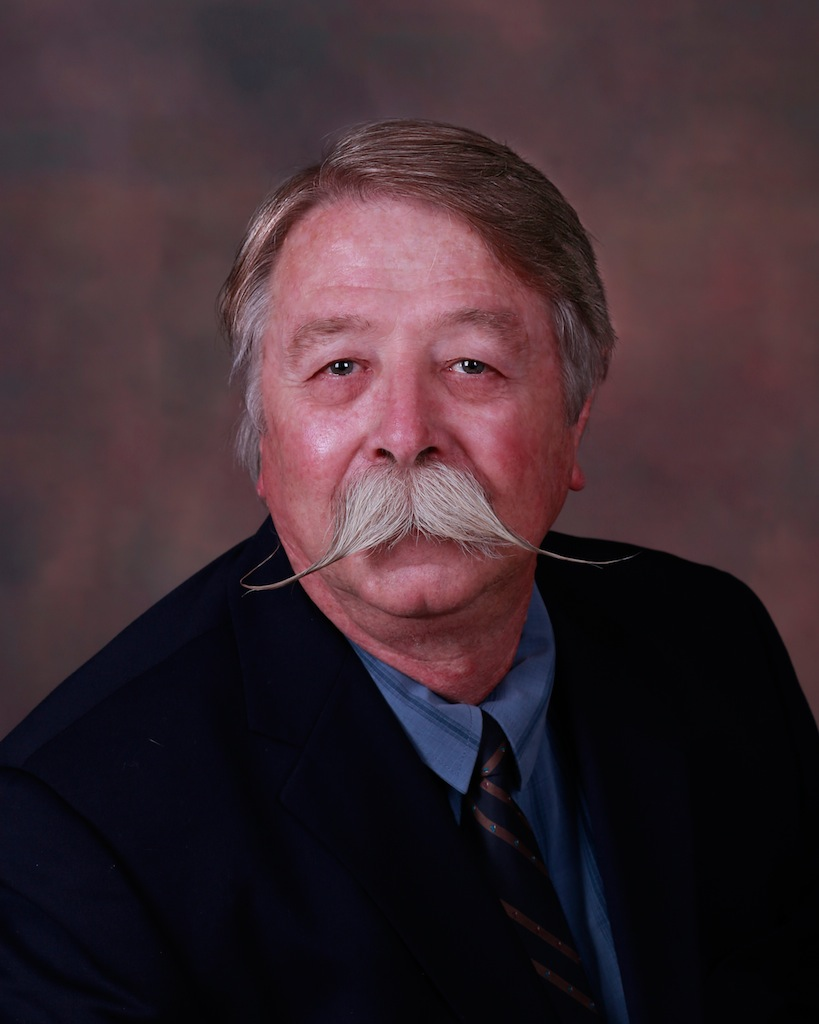 Dr. Robert Ahlstrom